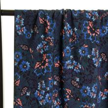 Viscose met Blauw en Roze Bloemen van Atelier Jupe