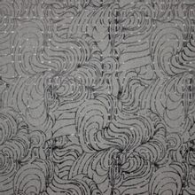 Donkergrijze softshell met golvend patroon
