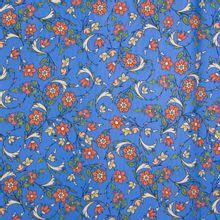 Blauwe rekbare viscose met bloemen motief