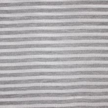 Licht breitje met grijze strepen en zilveren glitter