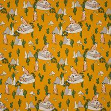 Gele tricot met motief van stokstaartjes, rotsen en cactussen