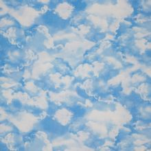 Blauwe katoen wolken