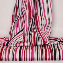 Witte katoen met rode, roze, zwarte en grijze strepen
