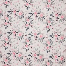 Witte katoen met rozen 'Sudbina'