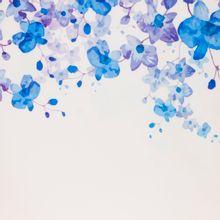 Rekbare polyetser met paarse en blauwe bloemen