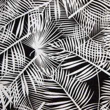 Zwarte Viscose Katoen met Bladmotief van Stitched By You