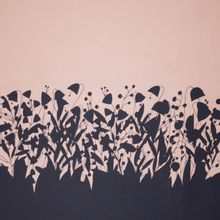Gesatineerde katoen in roze en antraciet bloemenprint van 'Cherry Picking'