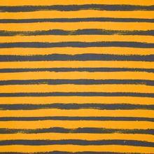 Geel - grijs gestreepte french terry 'Groovy stripes van Poppy'