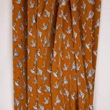 """Bruine polyester met vogels """"Pearl Peach van Penelope"""""""