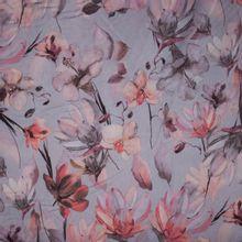 Grijsblauwe polyester met aquarel bloemen