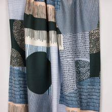 Sweaterstof met groot abstract motief van 'Milliblu's'