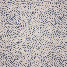 Witte viscose met blauw motief van Atelier Brunette