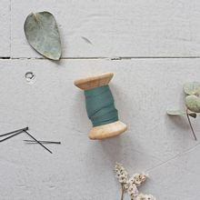 Biais 'dobby cactus' van Atelier Brunette