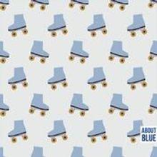 """Ecru French Terry met lichtblauwe rolschaatsen van """"About Blue Fabrics"""""""