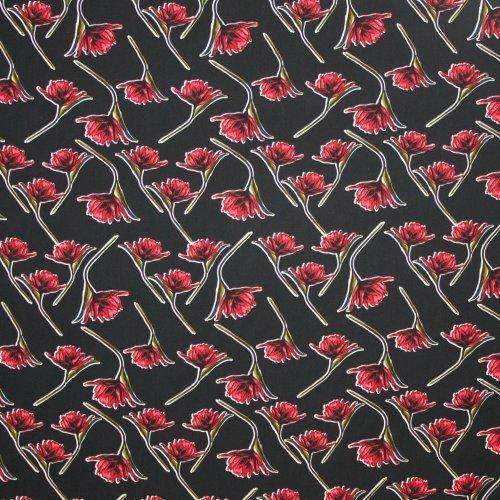 Zwarte viscose met rood bloemenmotief