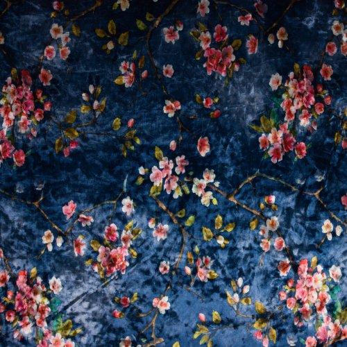 Stretch fluweel/velours in blauw met bloemen